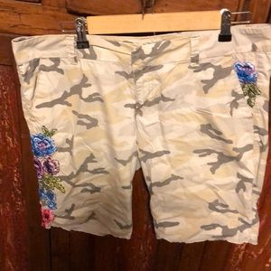 Embroidered camo shorts size 13/14
